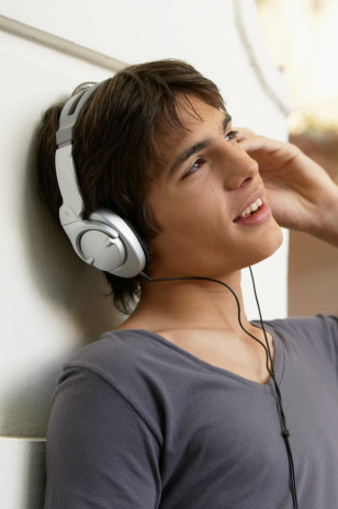 Learn German with podcasts: Diverse audio programs to download and